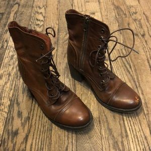 Steve Madden brown leather lace up boots size 6